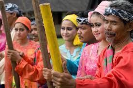 Mengenal Beberapa Ciri Khas Masyarakat Bandung
